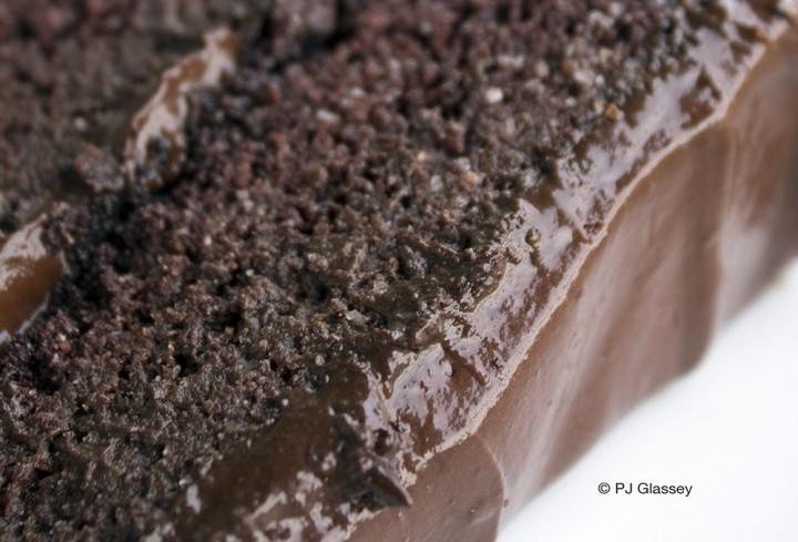 ©PJ 2014 Chocoholic Fitness Cake (sliced)_crop_4260